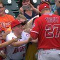 mlb 13 120x120 - MLBでサインボールのもらい方。マナー違反で叩かれないように注意!