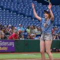 1543 120x120 - 奥山かずさの始球式が凄いと話題に。野球やソフトボール経験もあるモグラ女子