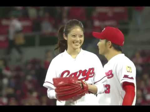 今田美桜の開幕戦始球式。有村架純に似てる福岡1かわいい女の子!