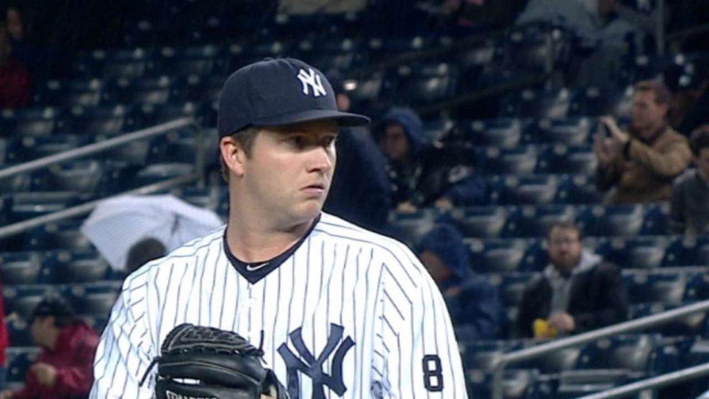 アダム・ウォーレンの投球。主にヤンキースで活躍しているリリーフ投手