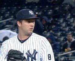 7915 246x200 - アダム・ウォーレンの投球。主にヤンキースで活躍しているリリーフ投手