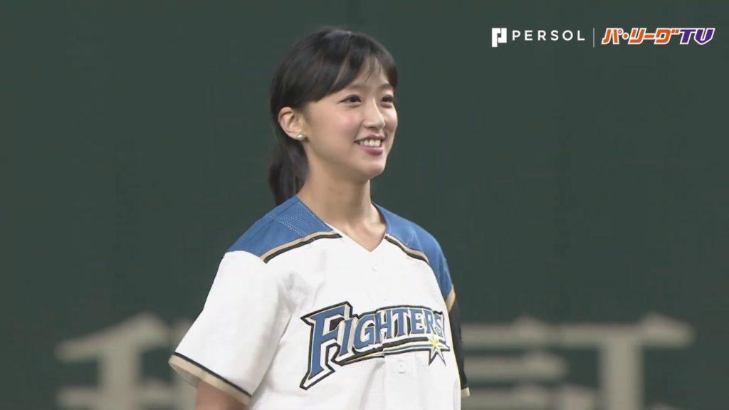 竹内由恵が始球式でナイスピッチ。野球選手とのインスタ画像も!